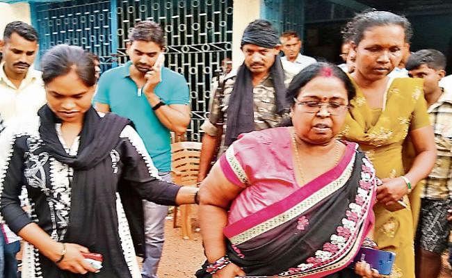 इटखोरी में सीडीपीओ रिश्वत लेती गिरफ्तार