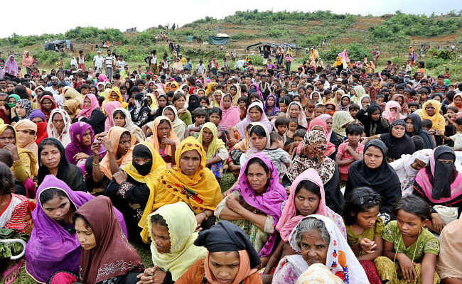 भारत ने रोहिंग्या मुसलमानों के लिए बांग्लादेश को राहत सामग्री प्रदान की