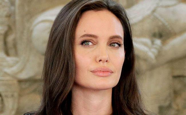 थ्रिलर फिल्म 'दी केप्ट'' में काम करेंगी एंजेलिना जोली