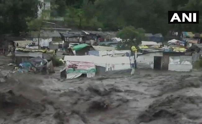 हिमाचल में भारी बारिश, नदी में बहने से एक की मौत की आशंका, तीन दिन के लिए स्कूल बंद
