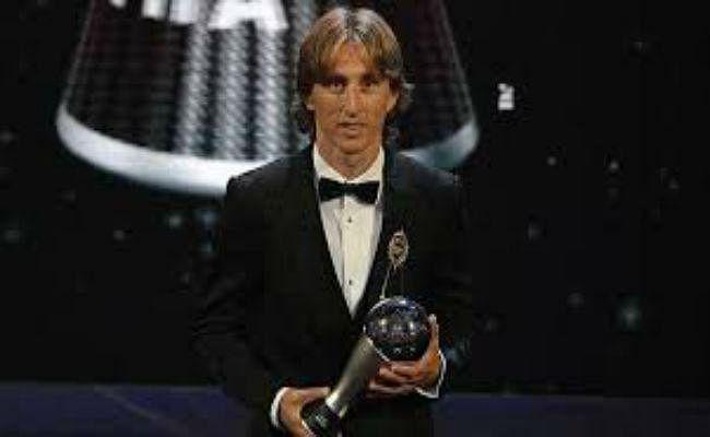 लुका मोड्रिच बने सर्वश्रेष्ठ फुटबालर, रोनाल्डो-मेसी की बादशाहत खत्म