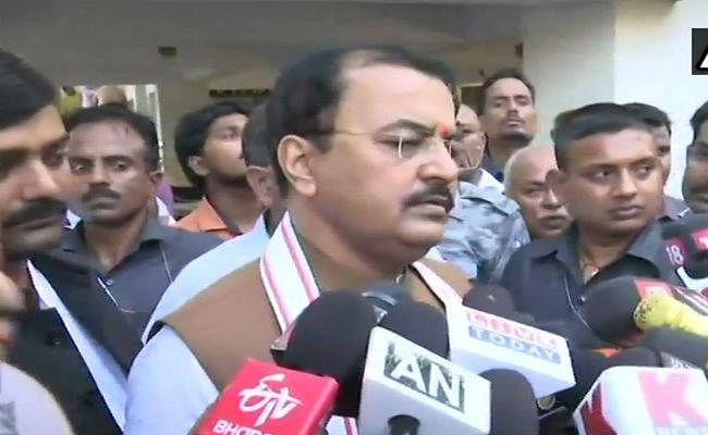 #VivekTiwari हत्याकांड : SIT जांच शुरू, परिजन से मिले यूपी के उपमुख्यमंत्री मौर्य