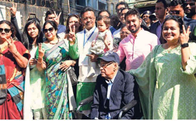 कोलकाता :  बूथ स्तर पर संगठन रहेगा तब तो कोई बूथ पर बैठेगा - फिरहाद