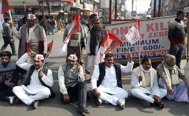 वामदलों के बिहार बंद का दूसरा दिन : नेताओं-कार्यकर्ताओं ने पटना समेत कई जिलों में किया चक्का जाम, राजद और हम का मिला समर्थन