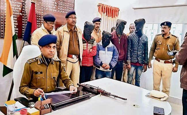 सीतामढ़ी  :  सीतामढ़ी में चार अपराधी गिरफ्तार, एके-47 के बाद अपराधियों के पास अब मिली एके-56