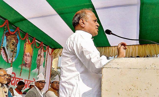 Bihar Political News: आरसीपी सिंह बोले-जदयू जात की नहीं, जमात की पार्टी, जानें भासलोपा, बसपा और रालोसपा के कितने नेताओं ने थामा जदयू का दामन