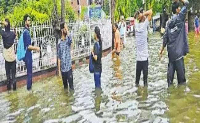 बारिश से सब बेहाल : पहली बार पटना आ कर पढ़ने वाले स्टूडेंट्स का रो-रो कर बुरा हाल