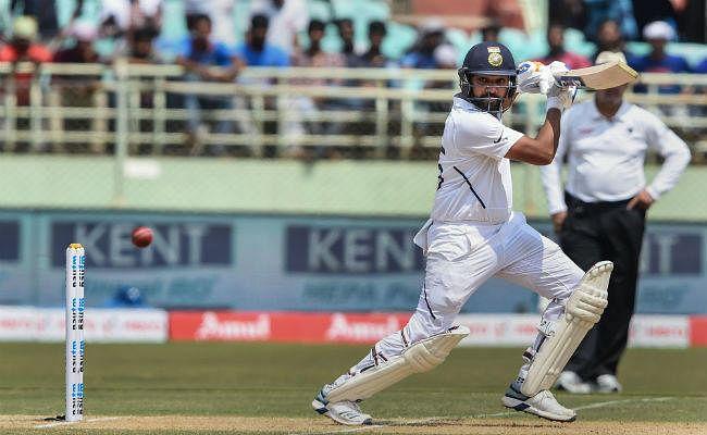 रोहित शर्मा ने पहले टेस्ट में जमाया शतक, वर्षा प्रभावित मैच भारत का स्कोर बिना विकेट खोए 202 रन