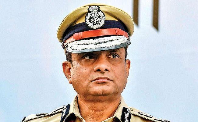 सारधा घोटाला : कोलकाता के पूर्व पुलिस कमिश्नर राजीव कुमार ने कोर्ट में किया सरेंडर