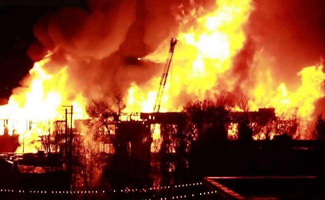 सॉल्टलेक : शॉपिंग मॉल में आग से दहशत
