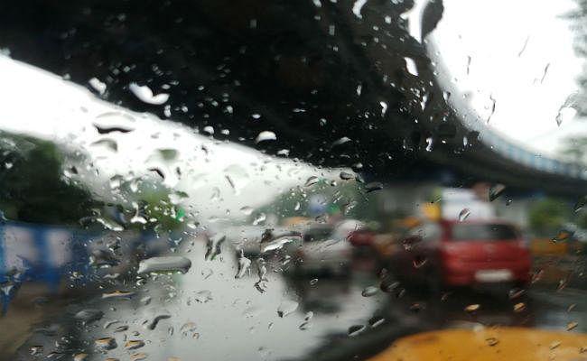 दुर्गापूजा में हर दिन हो सकती है बारिश
