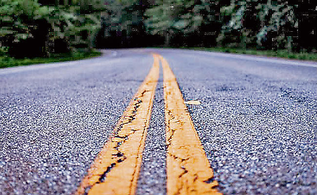 इस्ट–वेस्ट कॉरिडोर के समानांतर सड़क का हुआ टेंडर जारी, 1467.26 करोड़ की लागत से बनेगी 94 किमी सड़क