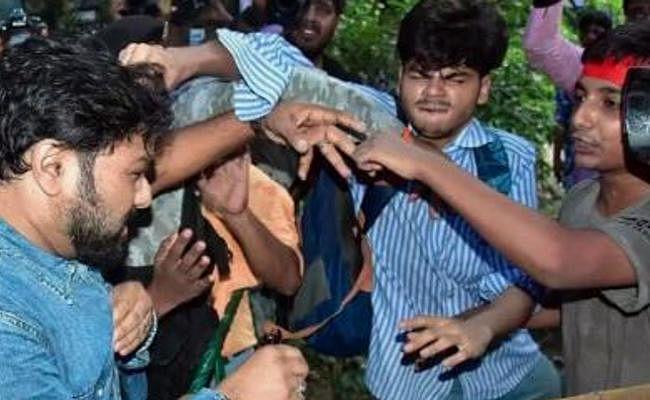 पश्चिम बंगाल में संस्कृत कॉलेज के विद्यार्थी पर हमले के आरोप में 10 गिरफ्तार