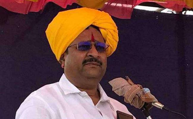 PM मोदी के खिलाफ बोलने के आरोप में भाजपा विधायक को कारण बताओ नोटिस