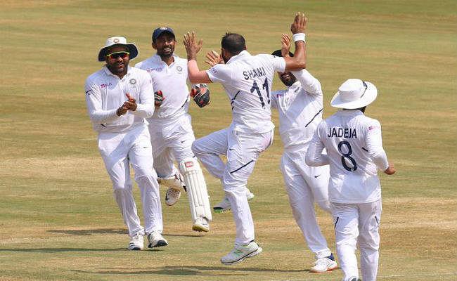 #INDvsSA विशाखापत्तनम टेस्ट: भारत ने दक्षिण अफ्रीका को 203 रनों से रौंदा, शमी ने झटके पांच विकेट