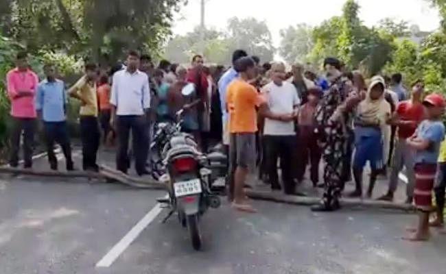 नवरात्र में गांव में पसरा मातम, बोलेरो की ठोकर से साइकिल सवार युवक की मौत