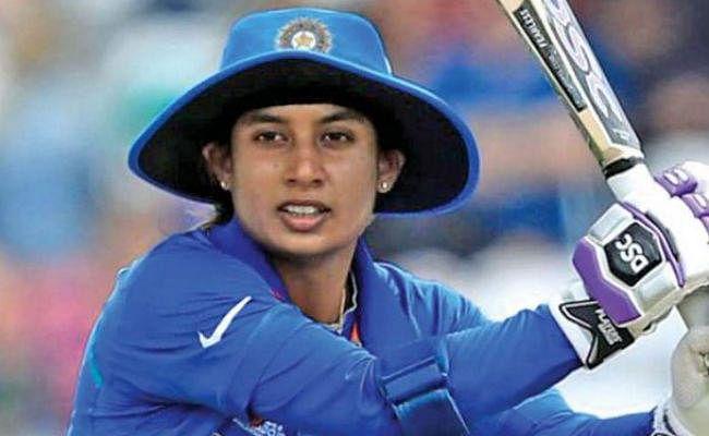 मिताली राज अंतरराष्ट्रीय क्रिकेट में दो दशक से अधिक खेलने वाली पहली महिला क्रिकेटर