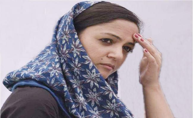 शेहला रशीद ने छोड़ी चुनावी राजनीति, जम्मू-कश्मीर में बीडीसी इलेक्शन किया विरोध