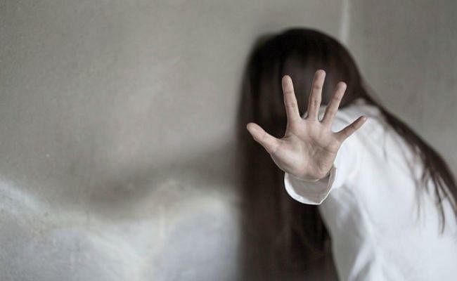 पूजा देखकर लौट रही नाबालिग के साथ दुष्कर्म के बाद हत्या