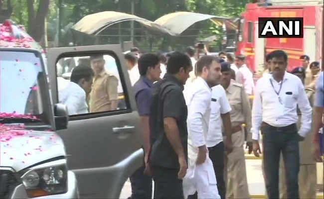 मानहानि: सूरत की अदालत में पेश  हए  राहुल गांधी, बोले- मुझे चुप कराने की हो रही कोशिश