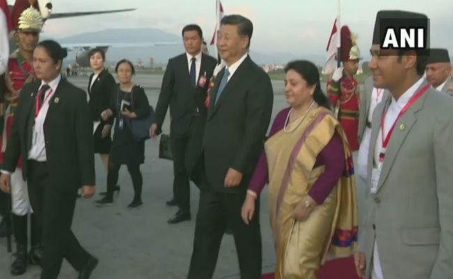 शी जिनपिंग नेपाल पहुंचे, राष्ट्रपति और प्रधानमंत्री ने एयरपोर्ट पर की अगवानी