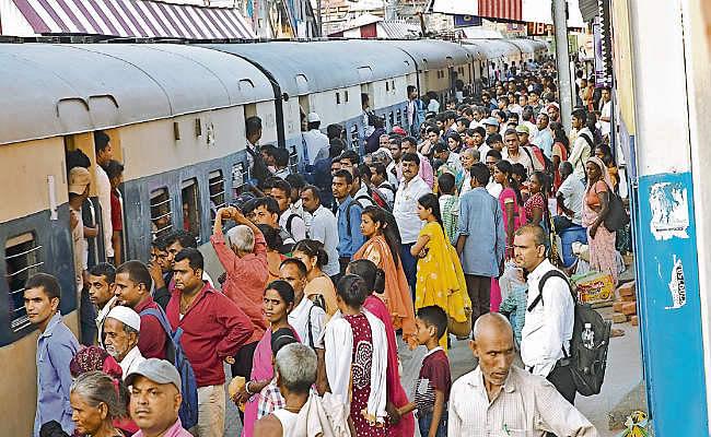 IRCTC/ Indian Railways News: प्रवासी मजदूरों की वापसी से ट्रेनों में लंबी वेटिंग लिस्ट, 12 अगस्त तक सभी ट्रेन कैंसिल