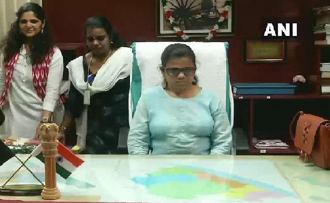 पहली नेत्रहीन महिला आईएएस अधिकारी ने सहायक कलेक्टर के रूप में तिरुवनंतपुरम में पदभार संभाला
