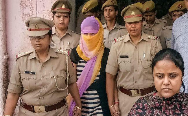 चिन्मयानंद यौन उत्पीड़न मामला : पीड़िता को बरेली कॉलेज में एलएलएम में दाखिले के लिए ले जाया गया