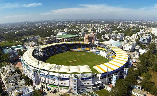 मुंबई क्रिकेट संघ को रेलवे की धमकी- मरम्मत के लिए पैसे दो, वरना ढहा देंगे स्टेडियम तक जाने वाला पुल