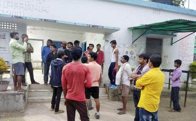 मधेपुरा : मुरलीगंज-बिहारीगंज SH-91 पर बस और ऑटो की टक्कर में दो लोगों की मौत