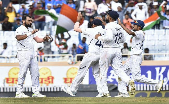 #INDvSA 3rd Test : तीसरे दिन का खेल खत्म, भारत जीत से दो विकेट दूर - RSA 162, 132/8 (46.0)