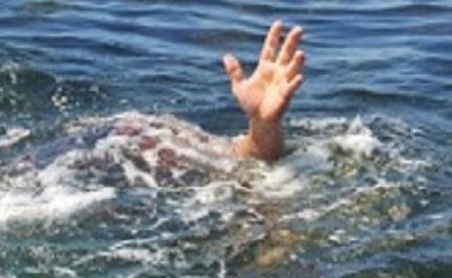 रांची से पिकनिक मनाने गये परिवार के तीन बच्चे बाघमुंडा नदी में डूबे