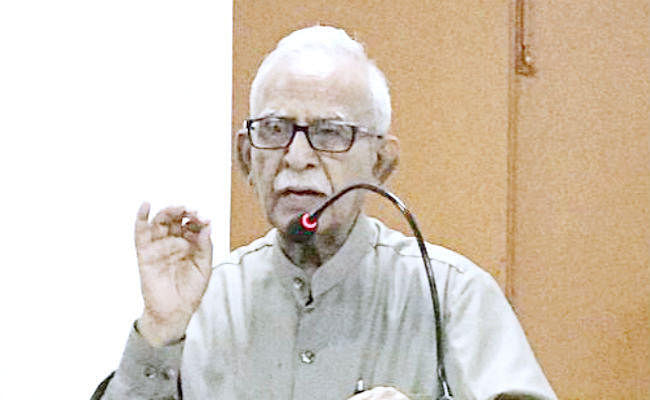 शायर रफीउद्दीन राज ने पटना में किया नज्म-गजल का पाठ, कहा- ''''नजर में कोई मंजिल है, तो मौजे-वक्त को देखो...''''