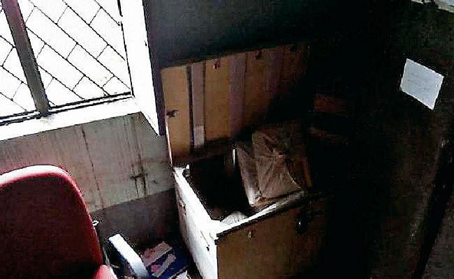 झारखंड ग्रामीण बैंक का ग्रिल काटकर 11 लाख की चोरी