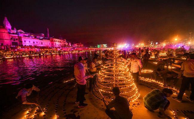 राम की नगरी अयोध्या में इस बार दीपोत्सव पर जगमगाएंगे 7.5 लाख दीप, बनेगा नया रिकॉर्ड