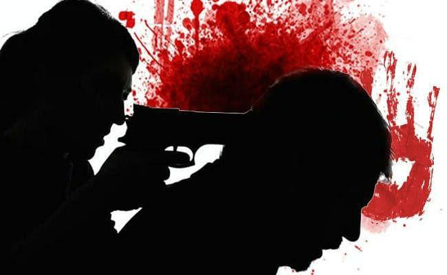 दुकान में सोये दुकानदार को गोली मार कर हत्या, आरजेडी नेता का चचेरा भाई है अवध यादव