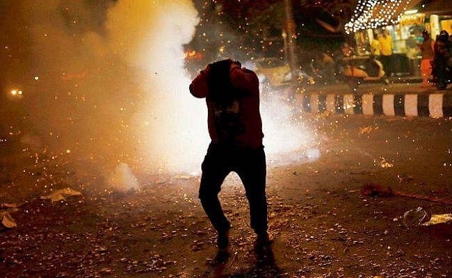 दिवाली के मौके पर देश में पटाखों से आग लगने की घटनाओं में सात की मौत, कई घायल