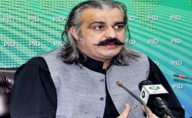 पाकिस्तान की गीदड़ भभकीः इमरान के मंत्री ने कहा- भारत का साथ देने वाले देशों पर गिराएंगे मिसाइल