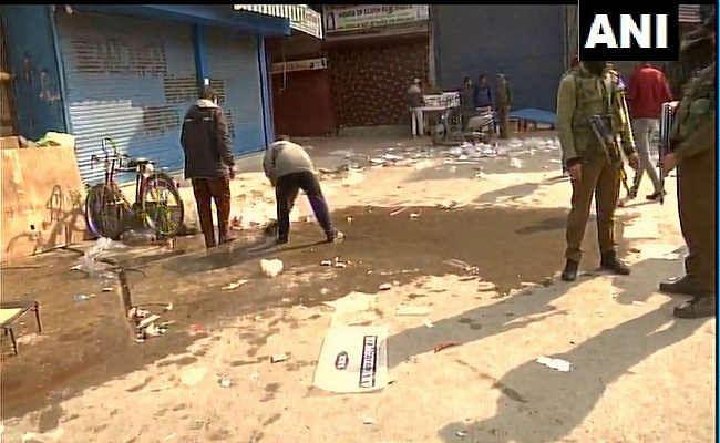 जम्मू-कश्मीरः श्रीनगर के बाजार में आतंकवादियों ने किया ग्रेनेड से हमला, 15 नागरिक घायल