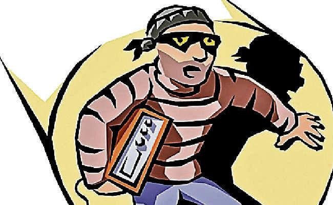 बांका में बाइक पर आये पांच अपराधियों ने फाइनेंसकर्मी से 95,650 रुपये की लूटे