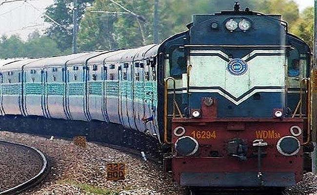 अयोध्या फैसला : हाइ अलर्ट पर रेलवे, यात्रियों की सुरक्षा के लिए ट्रेनों और स्टेशनों पर होती रही जांच