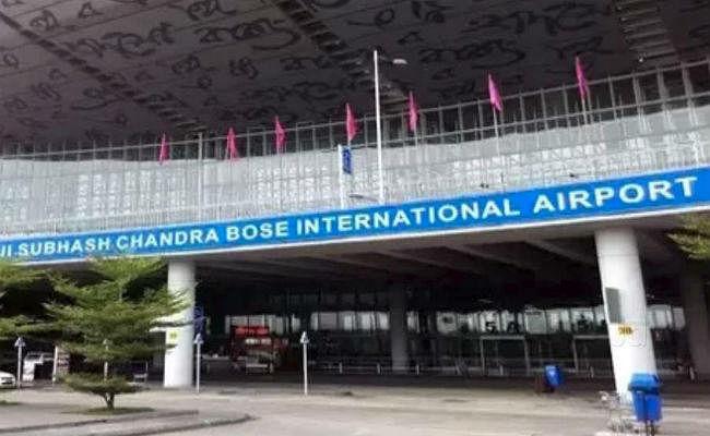 चक्रवाती तूफान 'बुलबुल'' के कारण कोलकाता हवाई अड्डे पर 12 घंटे के लिए परिचालन बंद