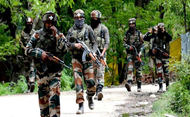 जम्मू-कश्मीर: बांदीपोरा में सुरक्षाबलों के साथ मुठभेड़ में दो आतंकवादी ढेर, तलाशी अभियान जारी