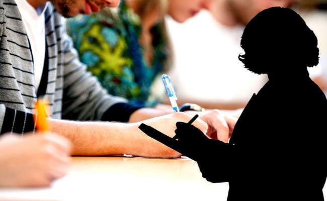 निजी स्कूलों में नहीं पढ़ा सकेंगे अनट्रेंड शिक्षक, जिला शिक्षा अधीक्षक कार्यालय ने जारी किया आदेश