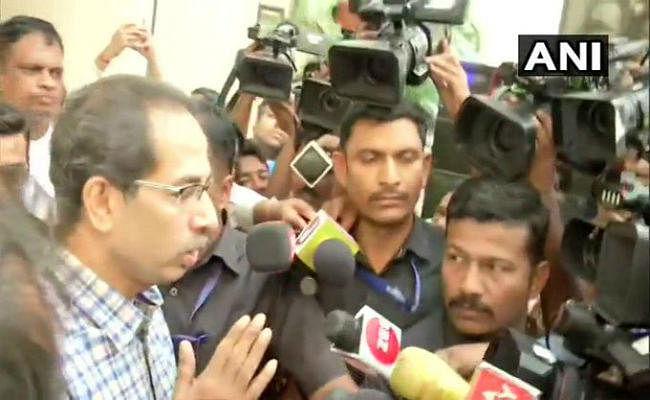 कांग्रेस नेताओं से उद्धव ठाकरे ने की मुलाकात, कहा-  बातचीत जा रही है सही दिशा में