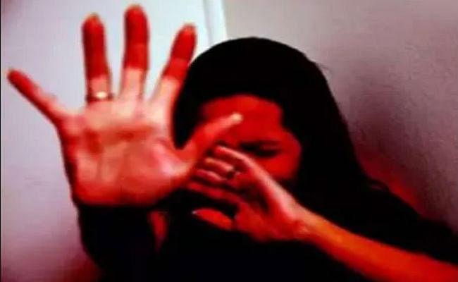 जमशेदपुर : जंगल में गलत होता देख थाना ले गयी पुलिस, डीएसपी ने भी किया दुष्कर्म