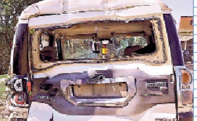 जीटी रोड पर ट्रक ने स्काॅर्पियो में पीछे से मारी टक्कर, चार घायल, दो की हालत गंभीर