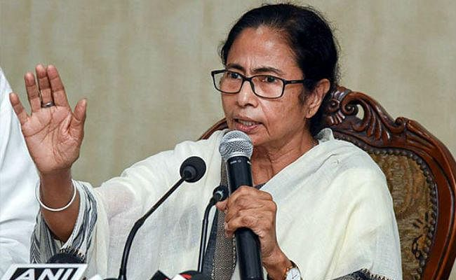 ममता ने दी मोदी को सलाह, आर्थिक संकट से निपटने के लिए विशेषज्ञों-राजनीतिक दलों से करें बात