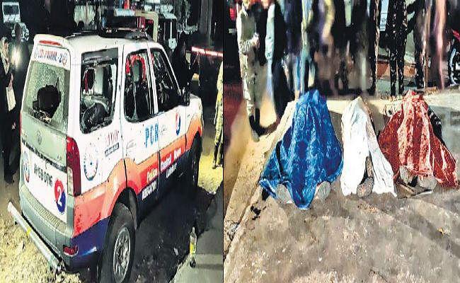 पुलिस वाहन पर नक्सली हमला, चार जवान शहीद हथियार लूटे, भाजपा नेता की गाड़ी पर भी फायरिंग