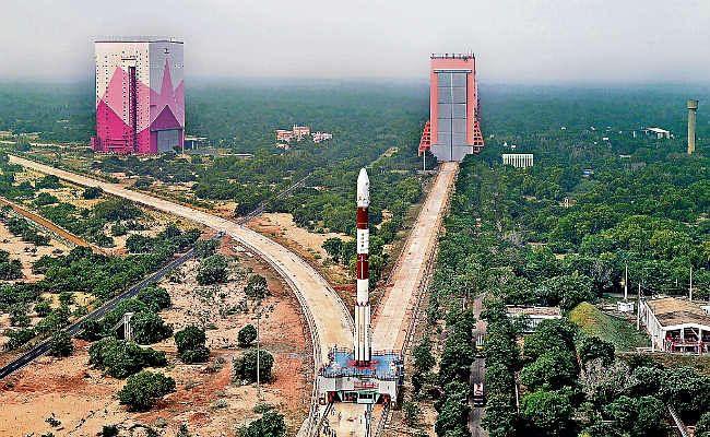 कार्टोसेट-3 की उल्टी गिनती शुरू, आज होगा लॉन्च, धरती की करेगा निगरानी